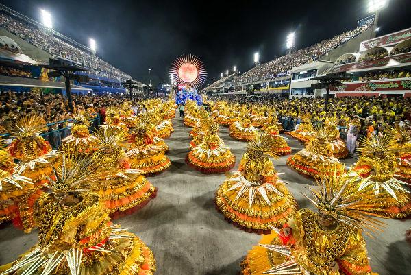 O Carnaval chegou ao Brasil durante a colonização e transformou-se na maior festa popular do país.[1]