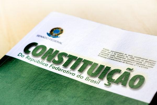 FHC foi membro da Constituinte que elaborou a Constituição de 1988.[2]