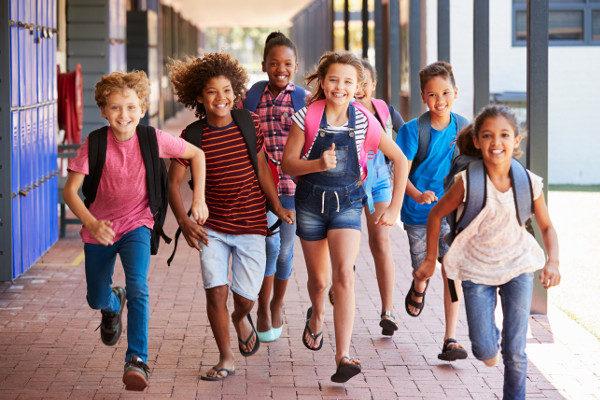 A escola deve ser um ambiente de inclusão social.