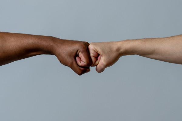 A inclusão de negros por meio de ações afirmativas é uma ação necessária para acabar com o racismo estrutural de nossa sociedade.