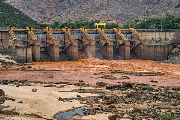 Rio Doce, em Minas Gerais, após o desastre ecológico de janeiro de 2019.