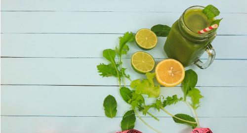 Os sucos de agrião podem ser feitos com caldo de laranja ou limão.