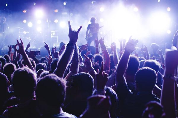 No 13 de julho, comemora-se o Dia Mundial do Rock. Apesar do nome, essa data comemorativa é celebrada apenas no Brasil.