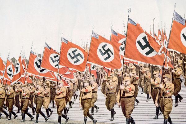 O antifascismo na Alemanha surgiu como autodefesa dos ataques promovidos pelas tropas de assalto, as SA.[2]