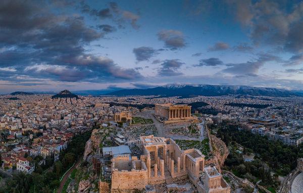 No século VI a.C., a Atenas transformou-se no berço da democracia por meio das reformas de Clístenes.