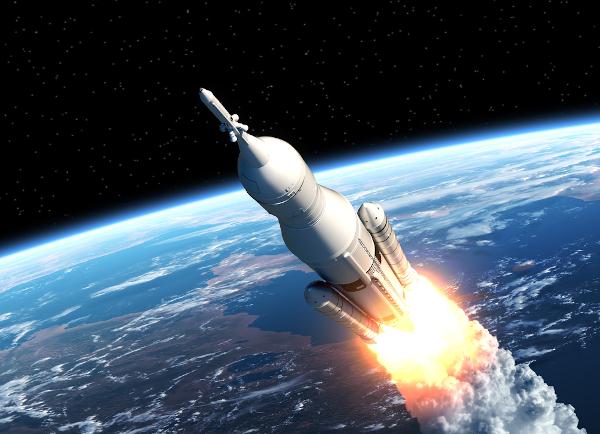 Os foguetes são usados para levar astronautas e equipamentos para a órbita da Terra ou além.