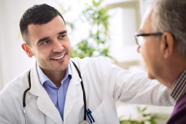 A realização de avaliações médicas de rotina podem ajudar na descoberta precoce de várias doenças.