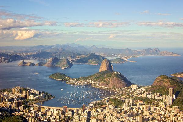 No começo do século XX, o Rio de Janeiro tinha 800 mil habitantes, sofria com vários problemas sanitários e presenciou a Revolta da Vacina.