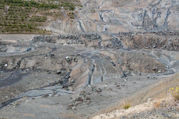 Várias áreas de exploração de amianto foram desativadas após a proibição de uso desse mineral.