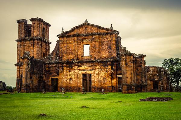 Ruínas das igrejas construídas pelos jesuítas na região das Missões, no sul do Brasil.