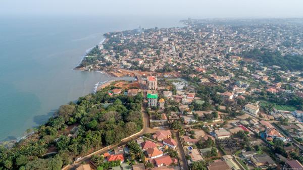 Vista parcial de Conacri, capital da Guiné.