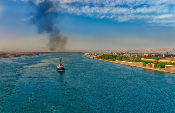 Vista do Canal de Suez, no Egito.