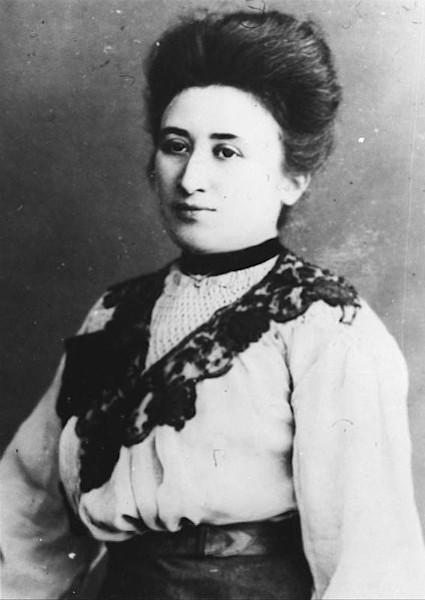 Rosa Luxemburgo, filósofa, economista e militante comunista polonesa.[1]