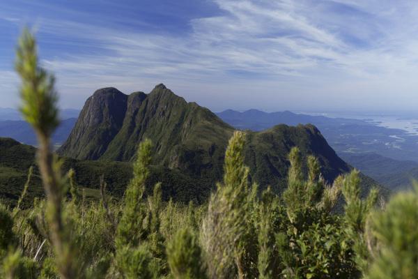 Vista do pico Paraná, no leste do estado.
