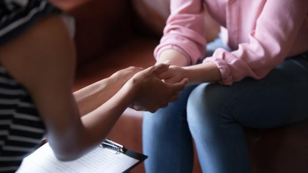 O acompanhamento psicológico após o abortamento pode ser necessário em alguns casos.