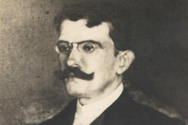 """Raul Pompeia, autor de """"O Ateneu"""", foi um escritor pertencente ao Naturalismo brasileiro."""