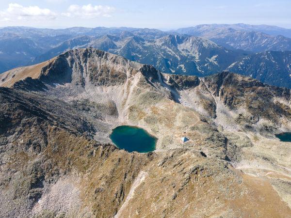 Vista aérea do monte Musala, na Bulgária.