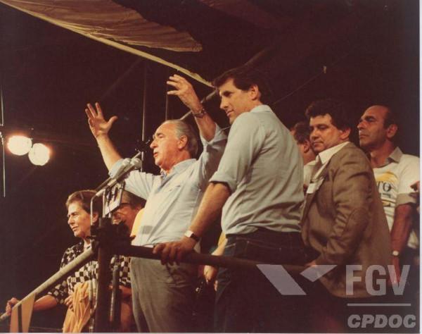 O governador Franco Montoro e o senador Orestes Quércia participaram dos comícios pelas Diretas Já. [2]