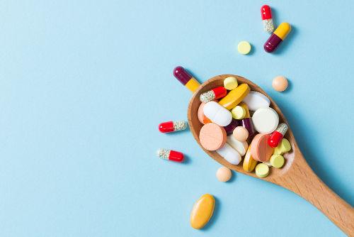 É papel da Anvisa controlar e fiscalizar a produção de medicamentos
