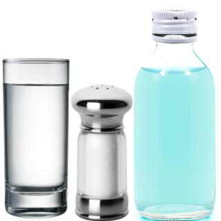 Para realizar esse experimento sobre solubilidade e saturação, você precisará somente de um copo com água, sal e álcool