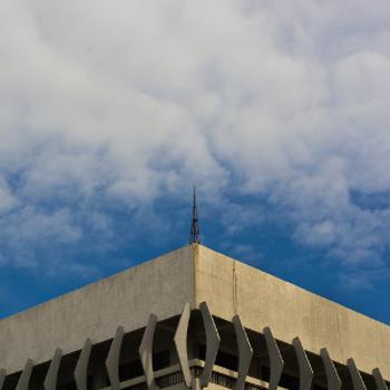 Para-raios no topo de um prédio