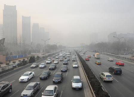 Poluição e engarrafamento em Pequim, capital da China.¹
