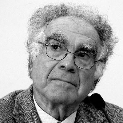 O historiador italiano Carlo Ginzburg foi um dos principais representantes da micro-história *