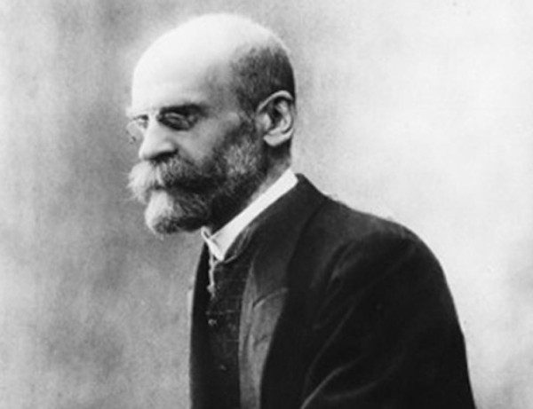 O sociólogo francês Émile Durkheim delimitou o primeiro conjunto de regras do método sociológico.