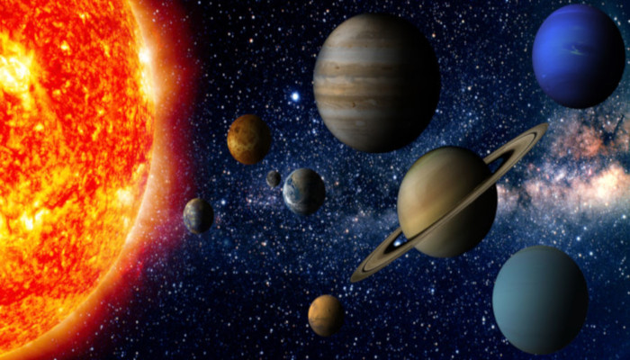 O Sistema Solar é composto por oito planetas, que se dividem em rochosos e gasosos.