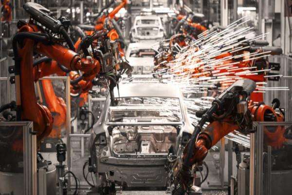 A Terceira Revolução Industrial, também chamada de Revolução Técnico-Científica-Informacional, representa a robotização do sistema produtivo.