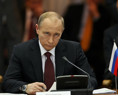 Vladimir Putin, ex-vice-presidente de Boris Yeltsin, assumiu o controle da Rússia em 31 de dezembro de 1999.*