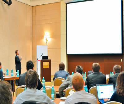 Cada evento técnico-científico que se insere naqueles condizentes ao meio acadêmico se constitui de características específicas
