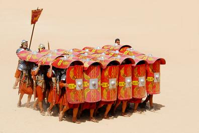 As Legiões Romanas se destacaram por sua disciplina militar e eficiência nas batalhas, influenciando exércitos ocidentais até os dias de hoje.*