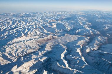 Cordilheira do Himalaia, na Ásia, um exemplo de dobramento moderno