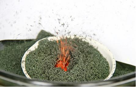 Imagem do vulcão de dicromato de amônio em ação*