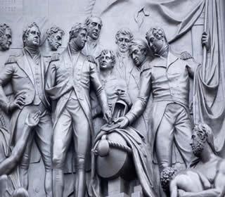 Friso de bronze representando a coluna de Lorde Nelson na Batalha de Trafalgar