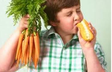 Hábitos alimentares saudáveis desde criança reduzem os casos de doenças crônicas não transmissíveis.