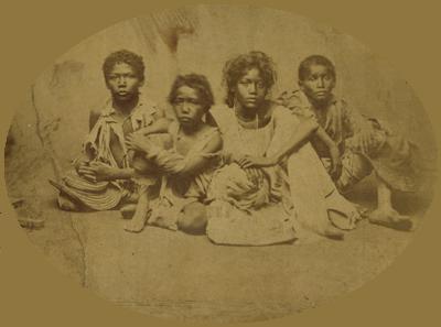 Acima, imagem de vítimas de uma das secas que assolaram o Nordeste em 1877
