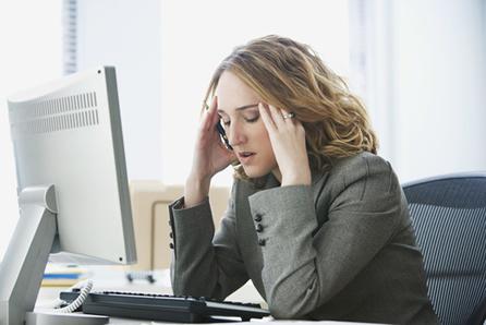 Sensação de sobrecarga emocional diante das exigências profissionais é característico da Síndrome de burnout