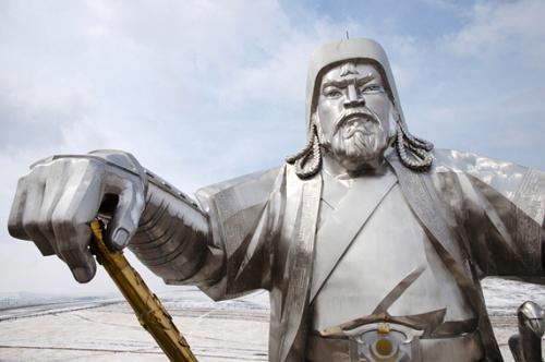 Monumento a Gêngis Khan na Mongólia