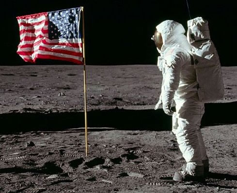 Os EUA levaram em 1969 o homem à lua.