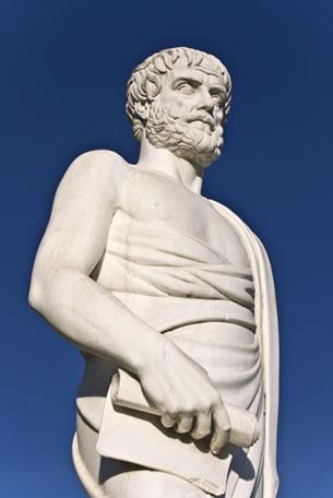 O silogismo para Aristóteles deve ser mediado, dedutivo e necessário