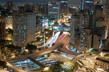 São Paulo é um exemplo de metrópole mundial.