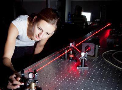 As atividades experimentais são essenciais para o ensino de Física, além de tornarem o conteúdo muito mais interessante