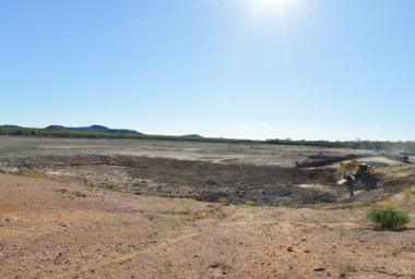 Açude seco na cidade de Petrolina. Seca pode provocar falta d'água¹