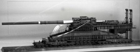O Canhão Gustav foi projetado pelos nazistas na época da Segunda Guerra Mundial *