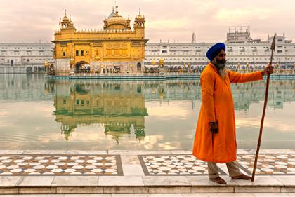 O fato de a população sikh lutar pela ampliação de sua autonomia política gerou diversos enfrentamentos com o governo da Índia.*