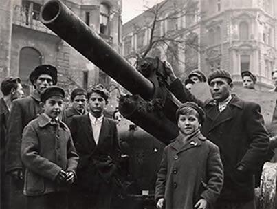 O conflito que desafiou a influência política do socialismo soviético.