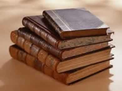 As formas de citações são particularidades relativas ao texto científico e submetidas a regras predefinidas