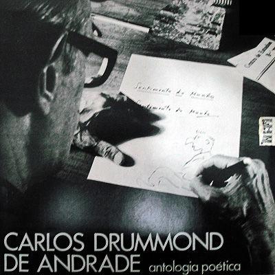 Nascido em Itabira no ano de 1902, Drummond é considerado um dos maiores poetas da Literatura brasileira. Faleceu em 1987, no Rio de Janeiro *